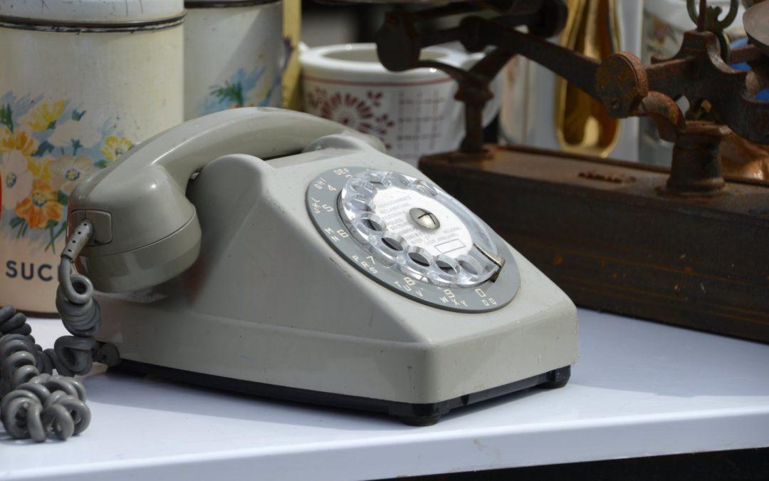 Tko još koristi fiksni telefon za telefoniranje?